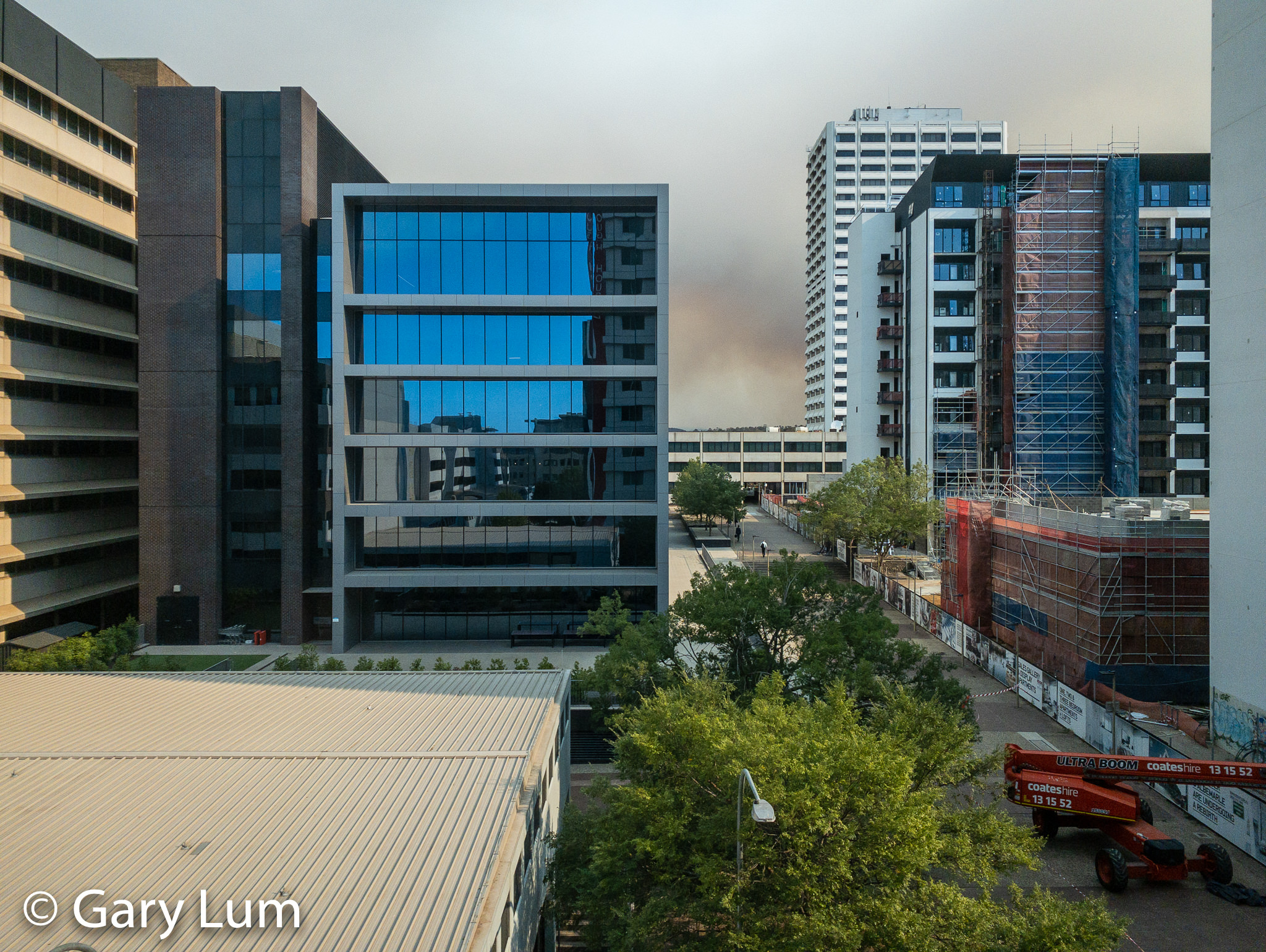 View from a window at work. Welcome to Canberra, the world's most liveable city. #bushfires #smokehaze Gary Lum