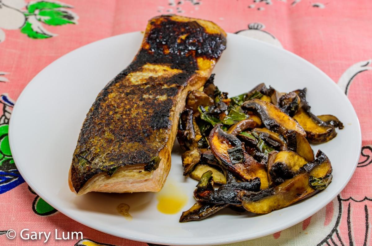 Smoky pan-fried salmon andmushrooms