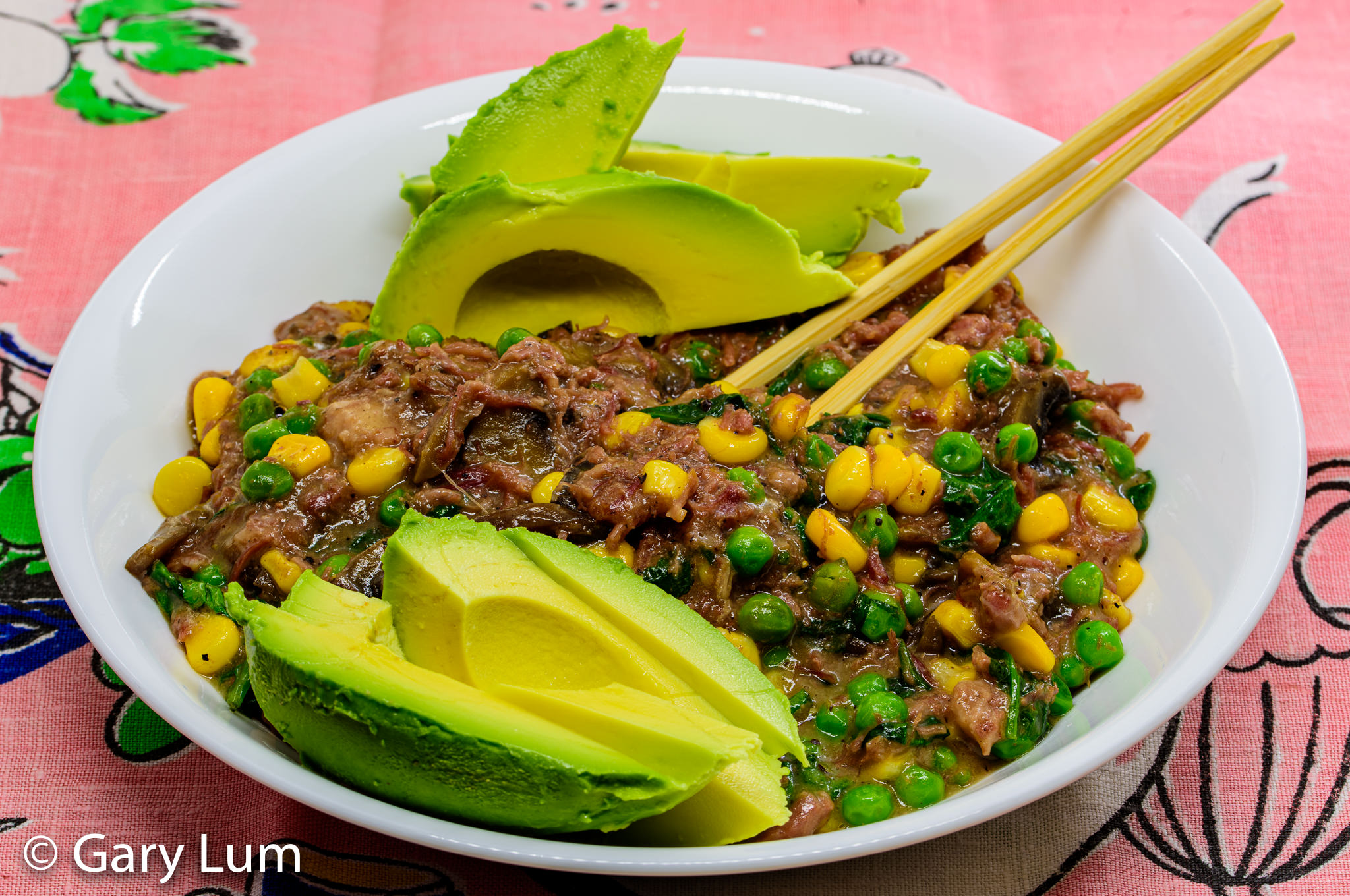 Corned beef with mushrooms, corn, peas, and avocado. Gary Lum.