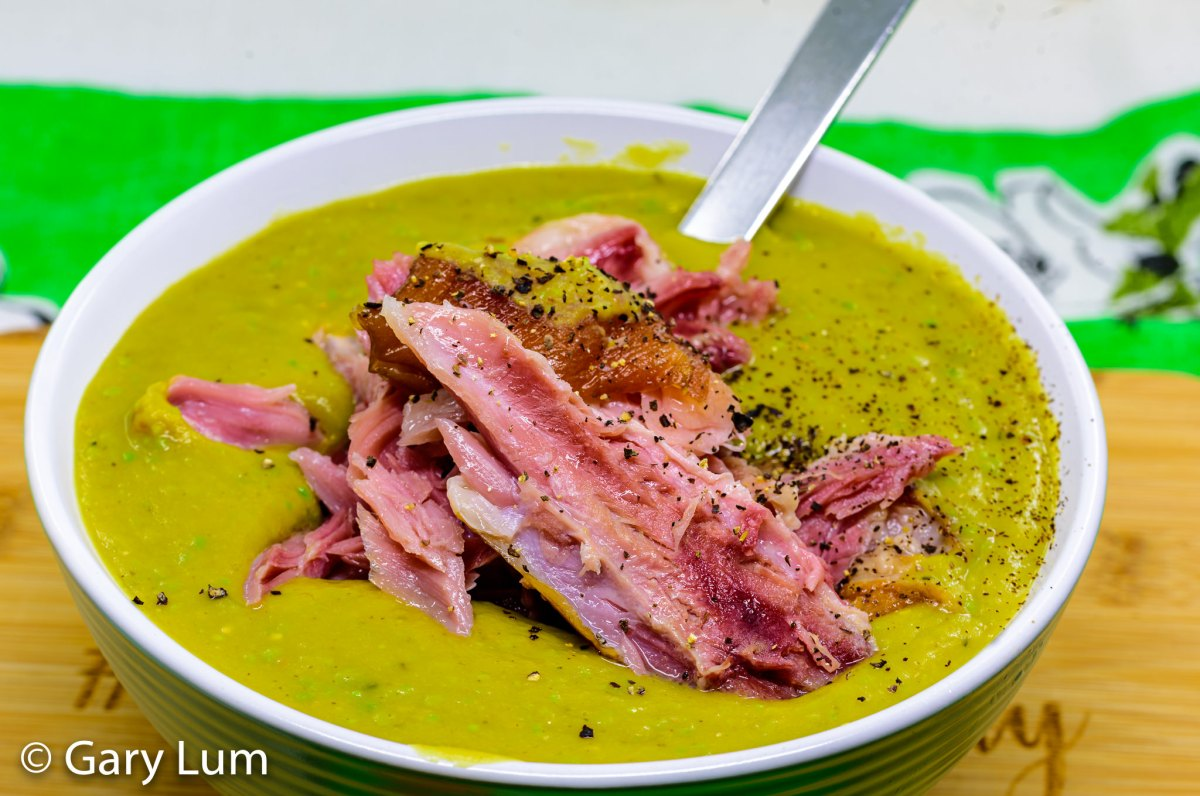 Slow cooker pea and ham soup