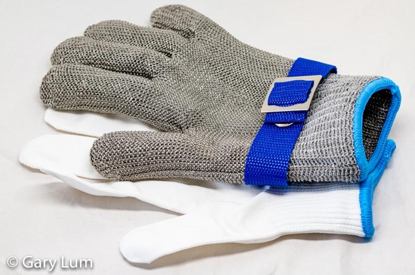 New chain mail safety glove.