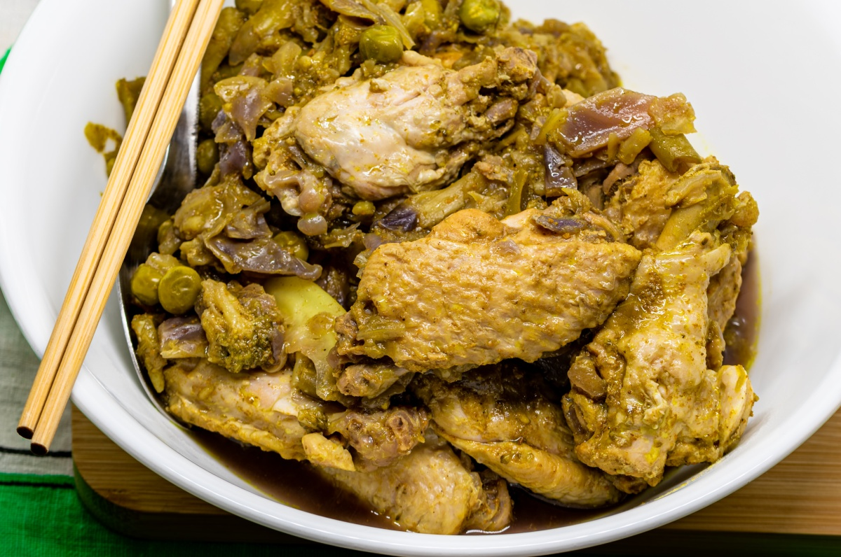 Pressure cooker curry chicken wings and vegetables